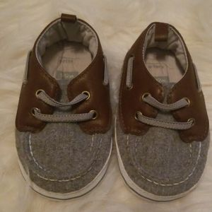 Carters infant walking shoes size 9-12months